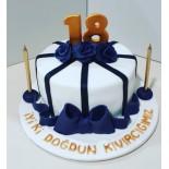 Şeker Hamurlu Pasta Onsekiz Yaş Temalı 10 Kişilik